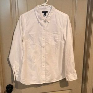 Button up white GAP shirt. Medium. 100% cotton